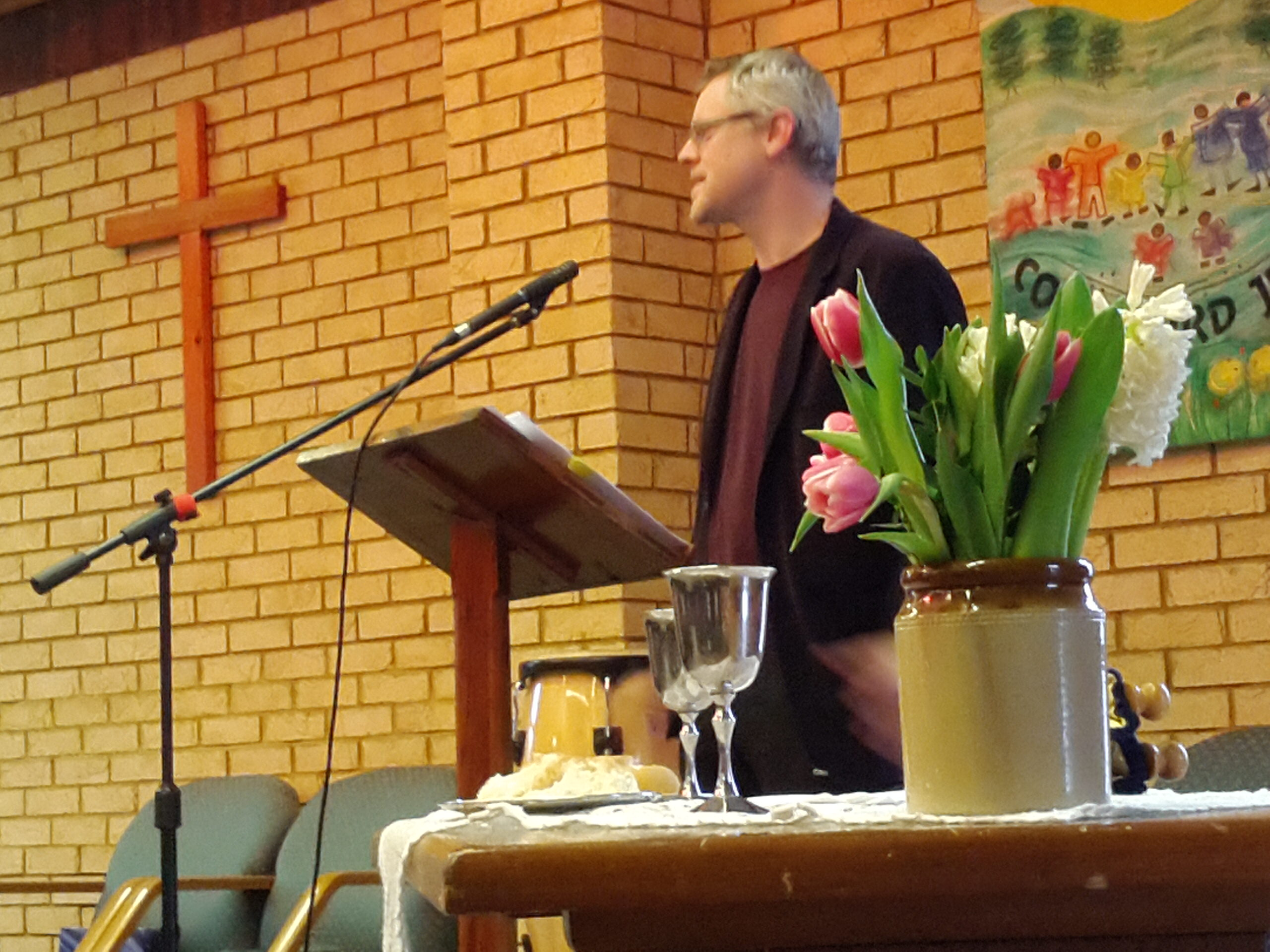 Paul Wintle speaking at Main Street Community Church on 21 January 2018.